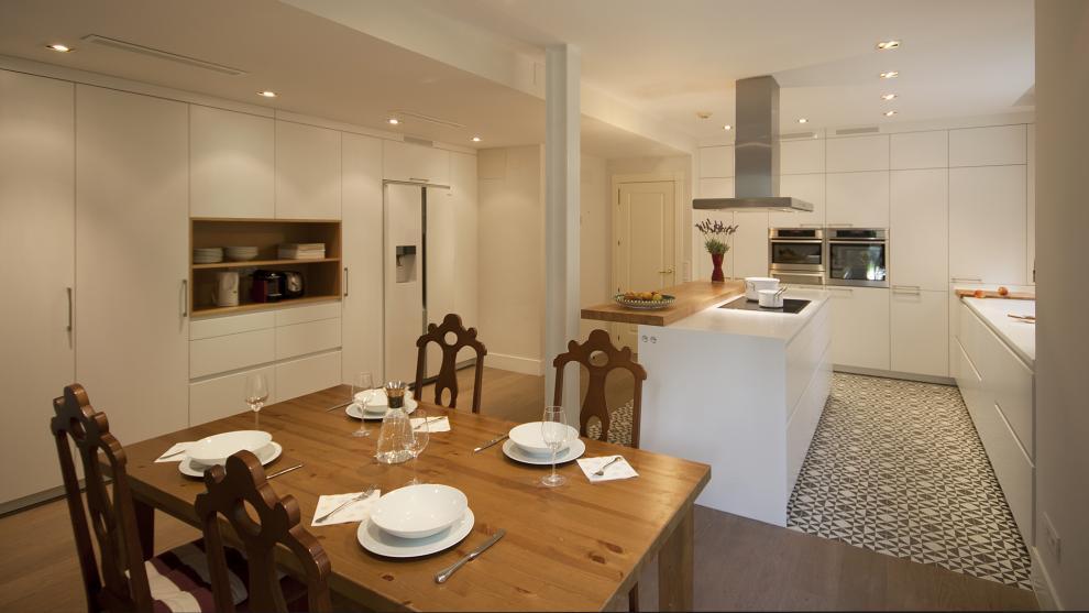 Santos cocinas nos presenta las cocinas abiertas artycocina for Unir cocina y salon