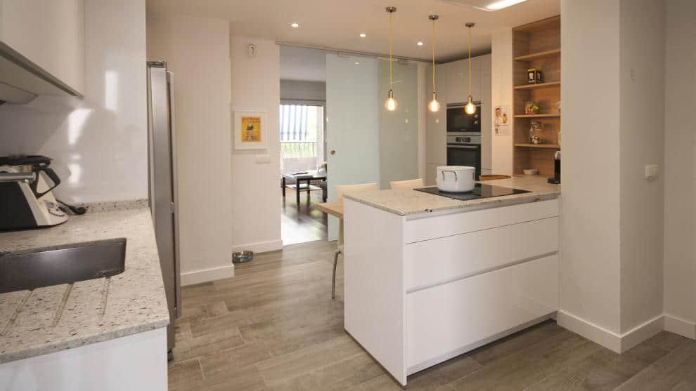 Santos cocinas nos presenta el dise o organizaci n y for Disenos cocinas abiertas