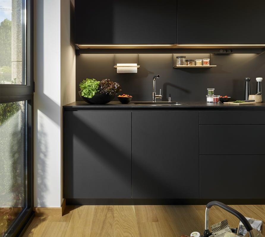 Cocina santos mod line arty cocinas obras santos for Cocina con electrodomesticos de color negro