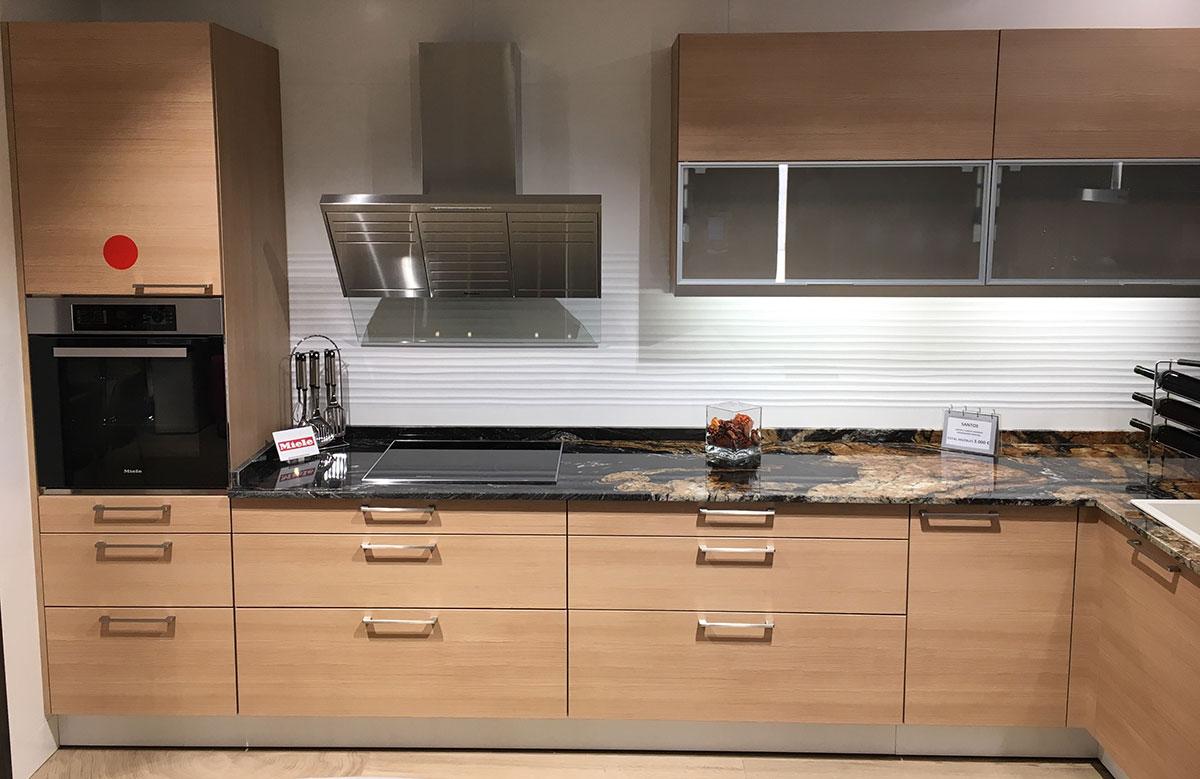 Oferta venta de exposici n cocina santos laricio por 3000 for Comprar cocinas en madrid